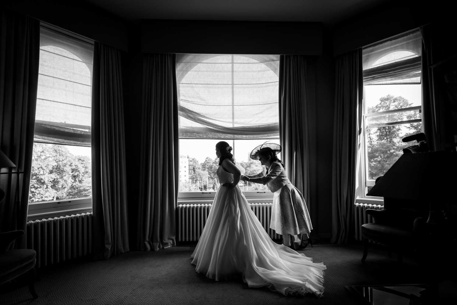 Principal Hotel York Wedding Photographer - bride getting ready